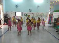 Hình ảnh trẻ tham gia hoạt động giáo dục âm nhạc và hoạt động dinh dưỡng
